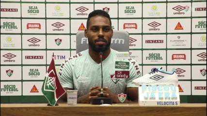 Luccas Claro fala sobre chance de igualar recorde de gols de Thiago Silva