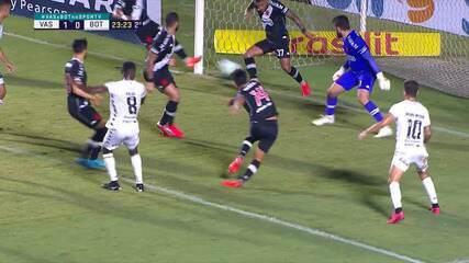 Henrique Salva o Vasco em cima da linha em dois jogos seguidos