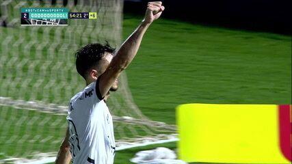 Gol do Atlético-MG! Hyoran desloca Cleiton no pênalti e empata no último lance do jogo, aos 54 do 2º