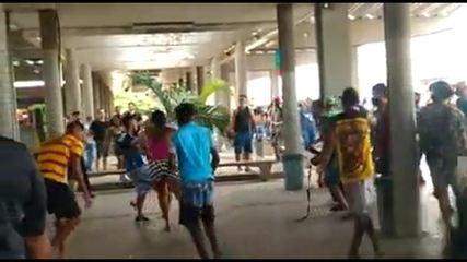 Ambulantes brigaram na estação de ônibus de Joana Bezerra, no Recife