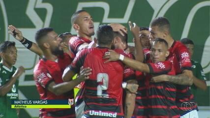 Gol do Atlético-GO! Matheus Vargas marca contra o Goiás