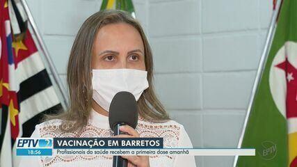 Profissionais da saúde recebem vacina nesta quinta-feira (21) em Barretos (SP)