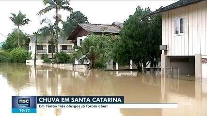 Chuva causa alagamentos em municípios de Santa Catarina