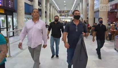 A 3 dias do julgamento do foro no caso das 'rachadinhas', Flávio Bolsonaro se encontra com Wassef