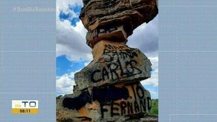 Pedra da Baliza de Mateiros, na região do Jalapão, é vandalizada