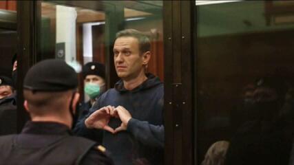 Justiça condena Alexei Navalny a passar 2 anos e meio na prisão