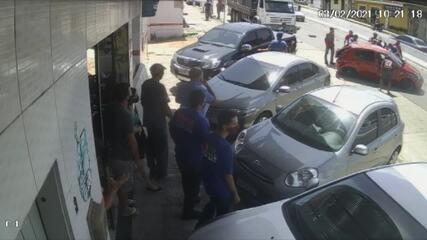 Vídeo mostra capotamento de carro no Bom Pastor