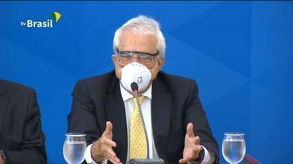 Preços de combustíveis são determinados de forma global, explica presidente da Petrobras