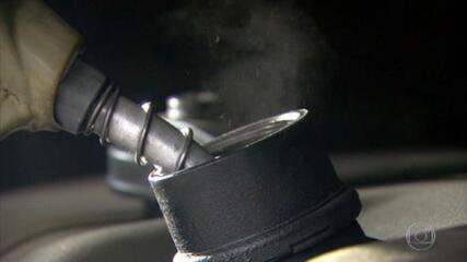 Governo Federal planeja projeto de lei pra mudar forma de cobrança do ICMS sobre combustíveis