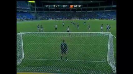 Relembre: em 2011, o Botafogo vencia o Fluminense pelo Campeonato Carioca com cavadinha de Loco Abreu