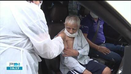 Idosos com mais de 90 são imunizados em Picos