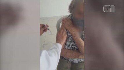 Filha denunciou que mãe idosa não foi vacinada na primeira aplicação