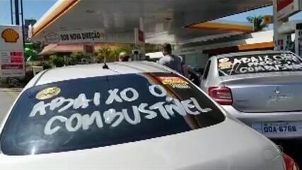 Motoristas fazem carreata contra aumento do preço dos combustíveis em Marília