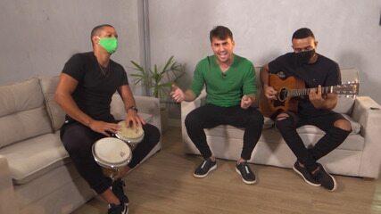 Cantores Tayrone e Felipe Araújo falam da parceria no lançamento da música 'Bobo em Dobro'