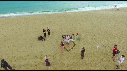Polícia Militar intervém em pedido de casamento surpresa em Fortaleza.
