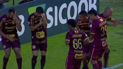 Gol do Sport! VAR aponta pênalti, e Thiago Neves cobra forte para empatar aos 41 do 2º tempo