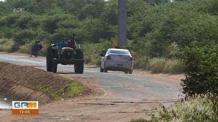 Los conductores enfrentan dificultades para viajar por la accidentada carretera C3 en Petrolina