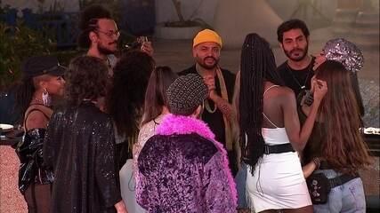 Brothers cantam parabéns para filha da sister Pocah