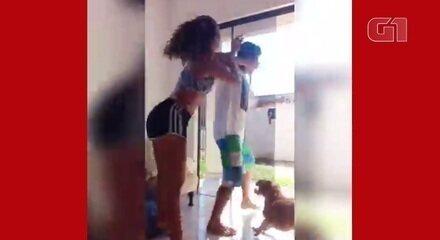 Mulher reage com tapas e chutes após homem invadir casa e tentar a agarrá-la, em Paranaguá