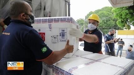 Pernambuco recebe mais 82 mil doses de vacina contra Covid-19 e amplia vacinação de idosos