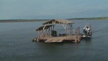 Participantes chegaram de barco à praia do 'No Limite (2001)'