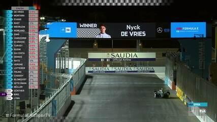 De Vries vence a primeira corrida da Fórmula E em 2021