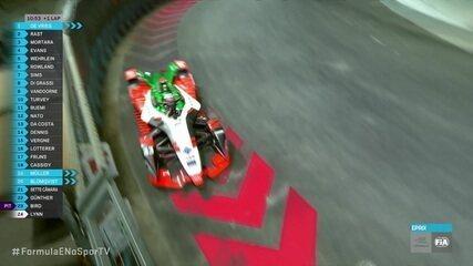 René Rast vacila ao buscar modo ataque no momento em que Safety Car entrava na pista