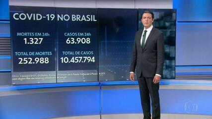 Brasil volta a ter tendência de alta na média móvel de casos de Covid