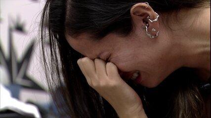 Juliette chora depois de fazer cuscuz e Viih Tube a consola: 'Minha cuscuzinha'