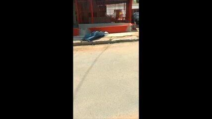 Vigilante morre na calçada em Cuiabá