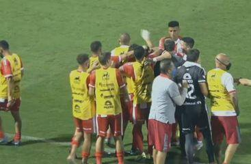 Chapecoense 0 x 1 Hercílio Luz: Assista aos melhores momentos da partida