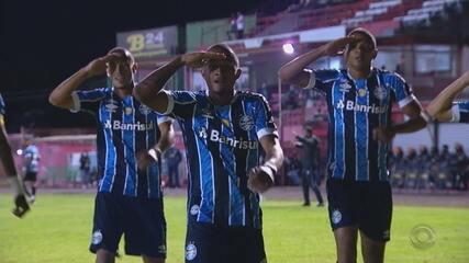 Gol do Grêmio! Darlan lança Léo Pereira, que dessa vez não perdoa e marca, aos 10' do 1T