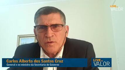 Presidente não pode usar Forças Armadas para fazer política, diz Santos Cruz