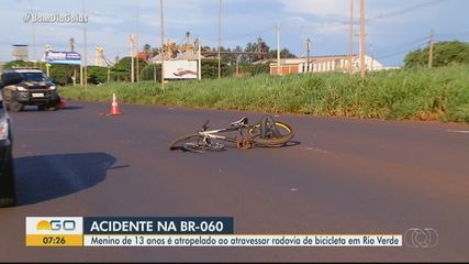 Adolescente é atropelado enquanto atravessava rodovia de bicicleta em Rio Verde