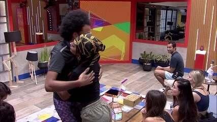 João Luiz escolhe Pocah e Arthur para Castigo do Monstro