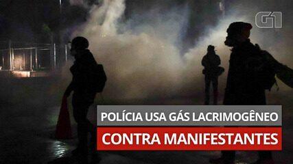 Video: La polizia usa gas lacrimogeni durante il secondo giorno di proteste contro l'uccisione di un uomo di colore negli Stati Uniti