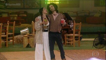 Veja momentos de Juliette com Fiuk na festa de ontem, 14/04