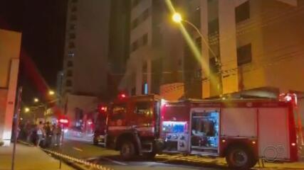 Incêndio em prédio da região central de Marília deixa duas vítimas em estado grave