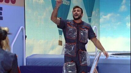 No BBB21, Arthur vence desafio Seara e ganha prêmio especial