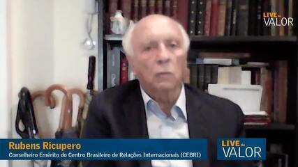 EUA devem privilegiar Índia ao doar vacinas; Brasil está mal posicionado, diz Ricupero