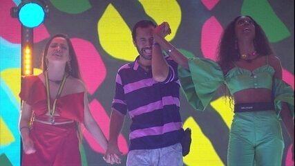 Durante a Festa Original Piraquê no BBB21, brothers se emocionam e cantam juntos