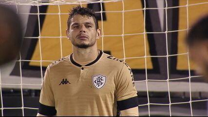 Douglas Borges se firma como titular no gol do Botafogo