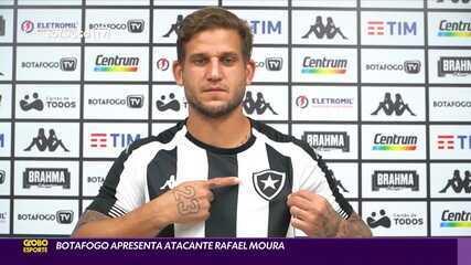 Botafogo apresenta o atacante Rafael Moura