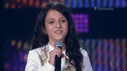 Luisa Simões canta 'Falsa Baiana'
