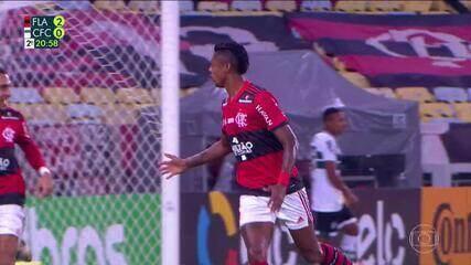 """""""Jogo de paciência"""": veja toda a troca de passes, no segundo gol do Flamengo, contra o Coritiba, na Copa do Brasil"""