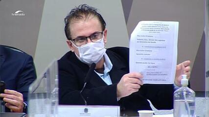 VÍDEO: Cristiano Carvalho mostra série de mensagens atribuídas a Roberto Dias