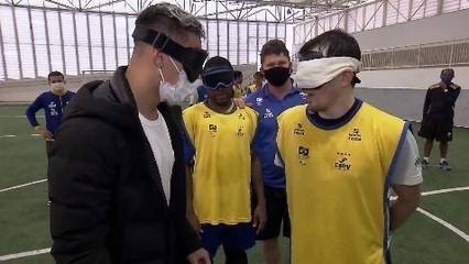 Antony visita seleção de futebol de cinco antes das Olimpíadas