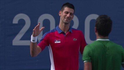 Djokovic quebra o serviço de Dellien, fecha a partida e avança para a segunda rodada