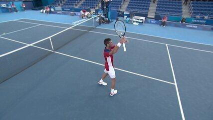 Novak Djokovic vence Alejandro Davidovich Fokina por 2 sets a 0 em Tóquio