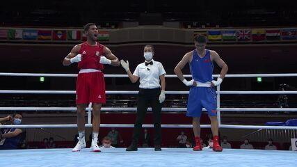 Hebert Conceição vence chinês Erbieke Tuoheta e avança para as quartas de final no boxe